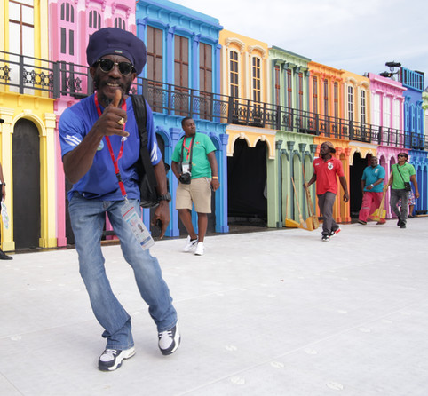 2. Hello Havana! Visitors stroll through