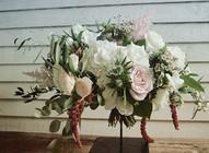 Natural freeform bouquet