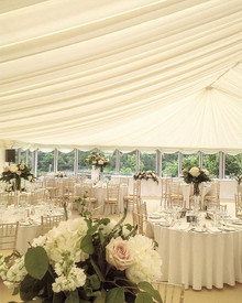 Dreamy set up #bigblowsyflowers #stables