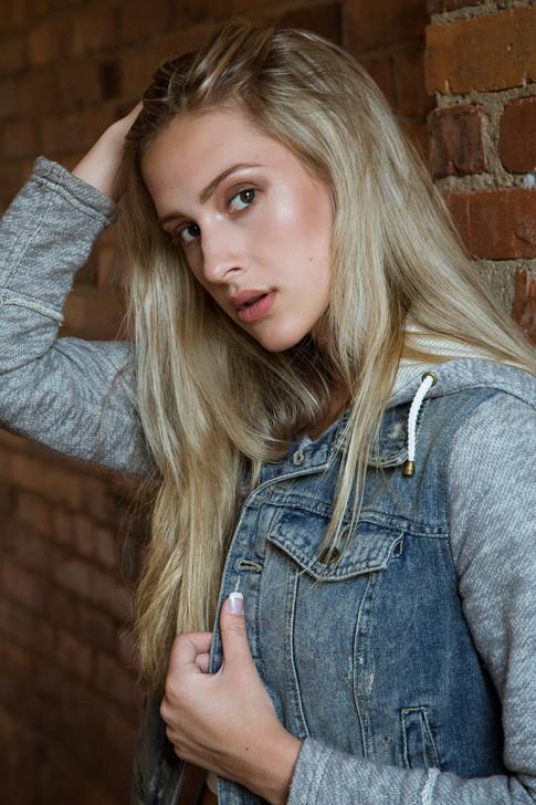 Hannah Fix LORES-2.jpg