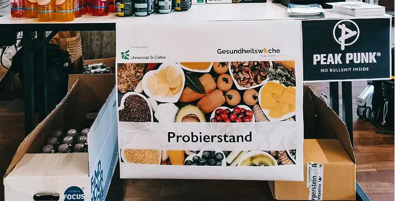 "Gesundheitswoche - ""Presentation on simple, healthy and sustainable cooking at HSG"""