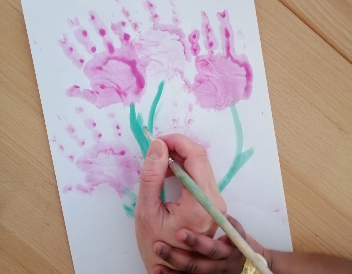 Thema Frühling, Tulpen. Handabdruck