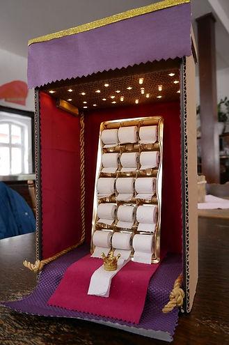 01_World in a box Brigitte.jpg
