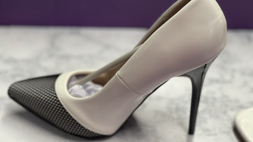 She's fly heel