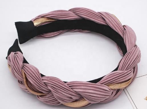 So Braided-Chain Detail Headband