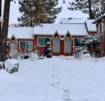 Snowfall Grand Pine Cabins Wrightwood Hotel