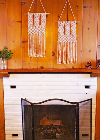 Deluxe Room Fireplace - Grand Pine Cabins Wrightwood Hotel