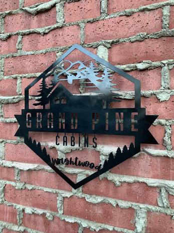 GPC Logo - Grand Pine Cabins Wrightwood Hotel