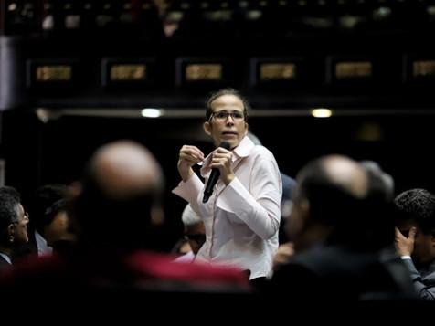 """Manuela Bolívar: """"Es necesario ampliar espacio humanitario y que cese persecución contra ONG"""""""