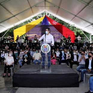 Presidente (E) Guaidó presenta Pacto Unitario con 37 partidos unitarios