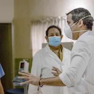 """Presidente (E) Guaidó: """"39.437 Héroes de la Salud han recibido el primer aporte de $100"""""""