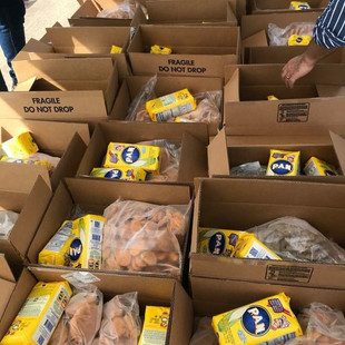 Embajada de Vzla. en EE.UU. entregó alimentos gratuitos en Houston en alianza con Houston Food Bank