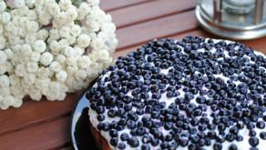 Borůvkový koláč se zakysanou smetanou