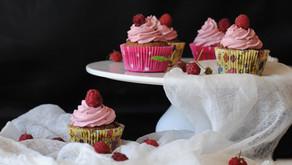 Brownie cupcakes s malinovým krémem