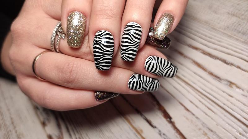 Zebra print nail art in nail art school in Orlando Fl