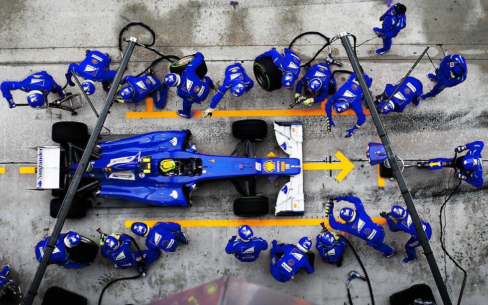 F1-Formula-One-racing-team.jpg