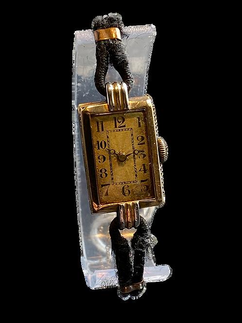 1928 18ct Gold Ladies Dress Watch
