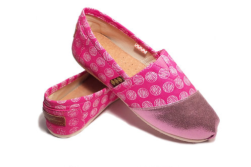 Classic Canvas Slip Ons Shoes, Pink Circles Fragolinas
