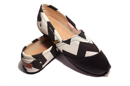 Classic Canvas Slip Ons Shoes, Black & White Strips Fragolinas