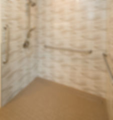 wheelchair-accessible-shower-for-Traumat