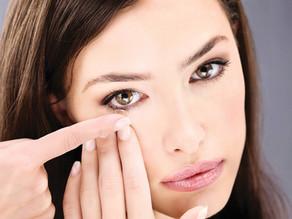 Maquiagens e lentes de contato podem conviver em harmonia