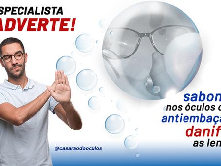 Sabonete nos óculos como antiembaçante danifica as lentes!