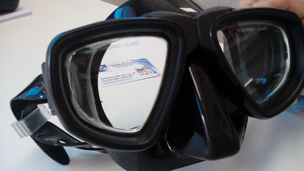 Lentes adaptadas em máscara de mergulho