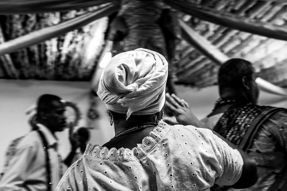 Fotografia do xirê no Ilê Axé Ogunjá, em São Félix/BA.