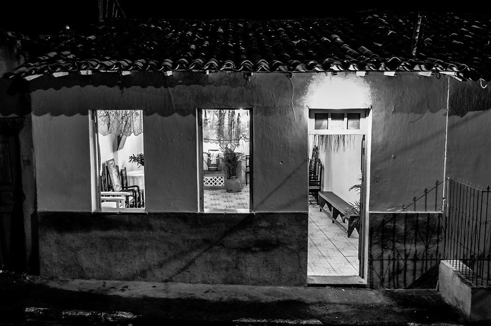 Fotografia da fachada do Terreiro Lobanekum Filho, em Cachoeira/BA.