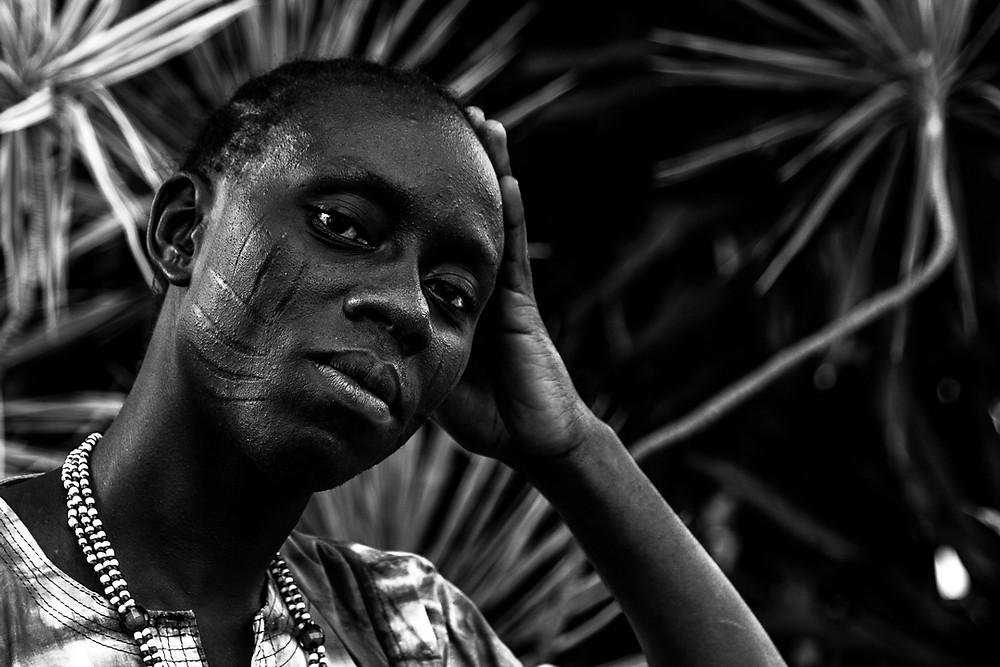 Fotografia de Sangowale Ibuowo, integrante da comitiva do Alaafin de Oyó.