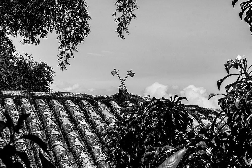 Fotografia do telhado do Terreiro Vodun Zo.