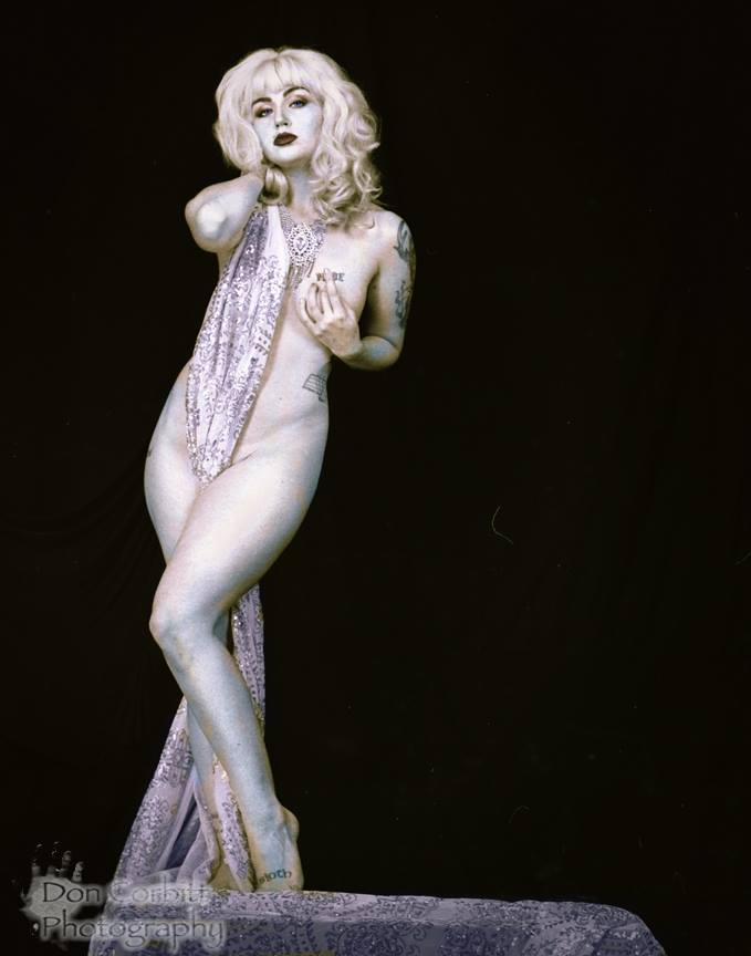 "Classic ""Ziegfeld Follies"" Look"