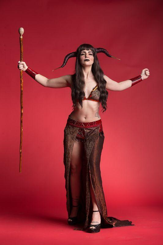 The Society of Sin Dungeons & Dragon Queens Burlesque Xena Zeit-Geist Carnivora Cruora Tiefling Sorceress