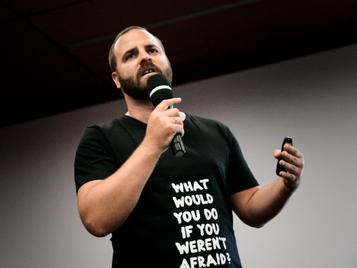 Newsadoo stellt künstliche Intelligenz bei weltgrößter Tech-Konferenz vor