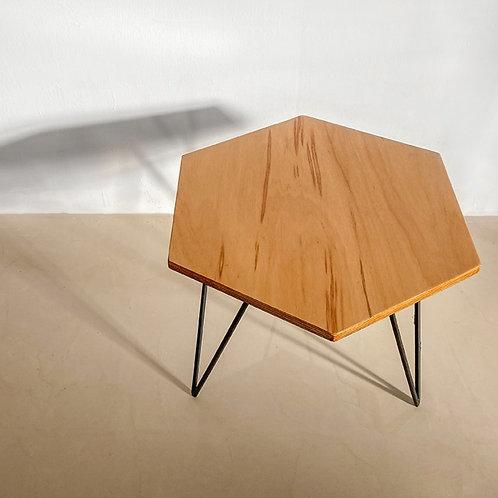 EXAGON TABLE
