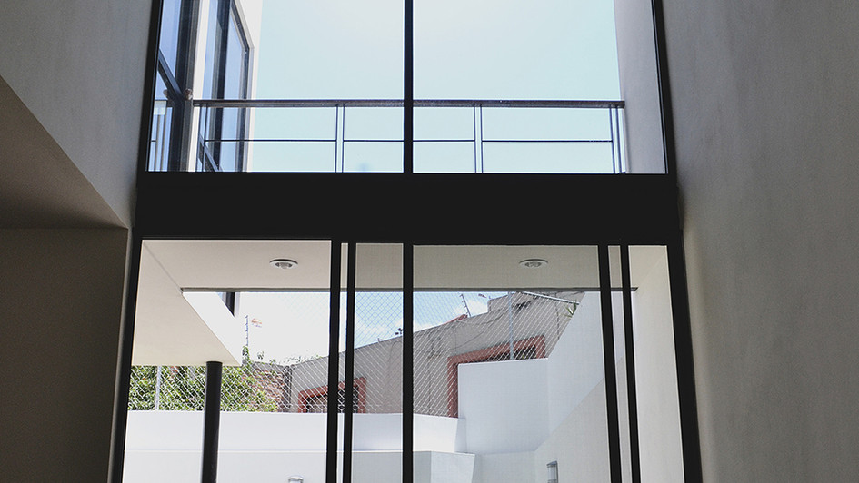 DOBLE HEIGHT WINDOW CHAPALITA