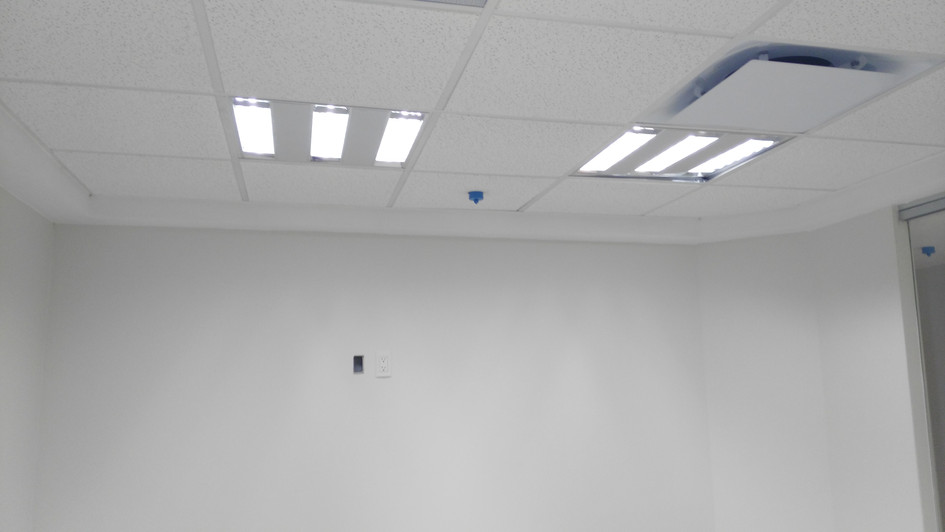 CEILING LIGHT AND PLAFOND