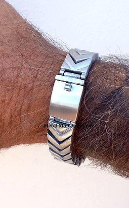 CHEV - Chevron pattern bracelet