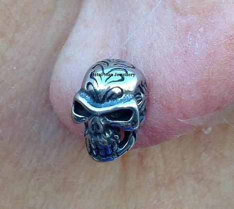 EZ19 - Small Skull post earrings