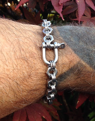 DA - Single D shackle hex nut bracelet plain or coloured