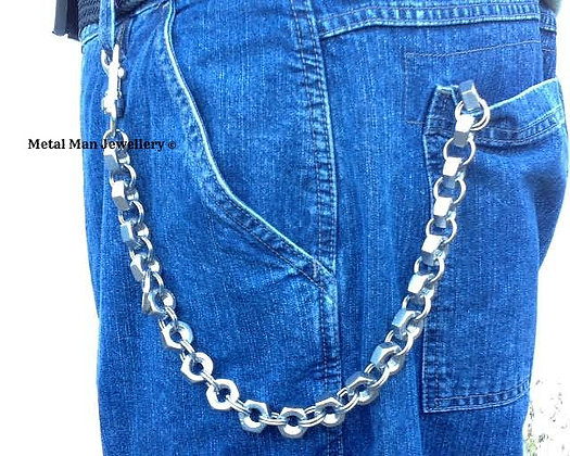 WD3 - M10 hex nut wallet chain