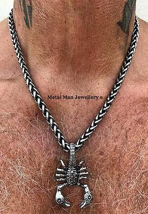 SCO1 - Scorpion on a Wheat Weave chain