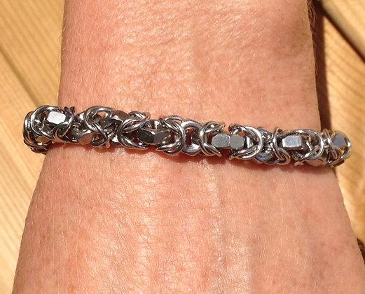 BY8 - Unisex byzantine and M4 hex nut bracelet