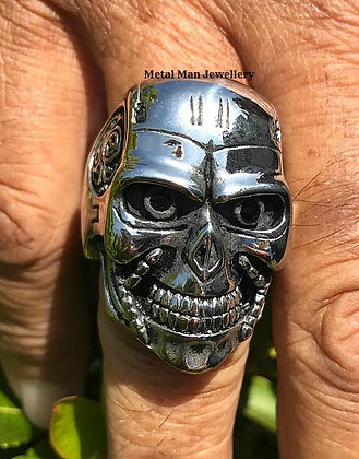 R15 - Skull Ring with eyes