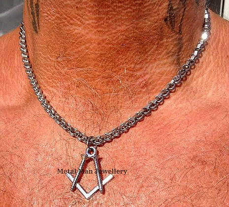 """M2 - Pendant on 20"""" hex nut chain"""