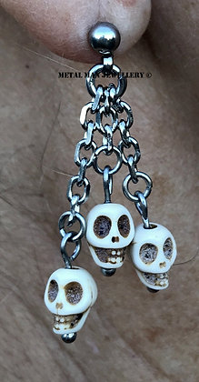 EM11 - Triple skull earrings