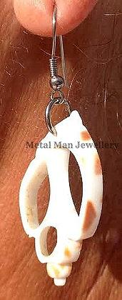 JV1 - Shell earrings