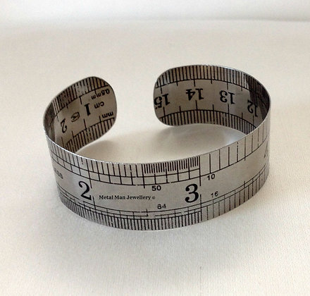 RUM - Medium width Rule bangle