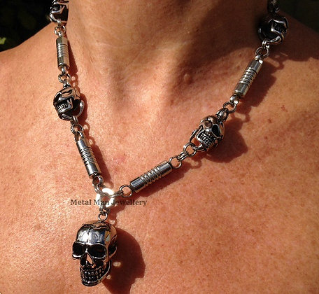 SC11 - Skull & Bar Necklace