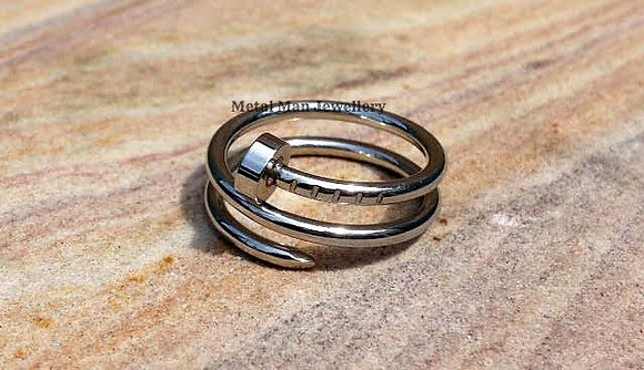 R11 - Double coil nail ring